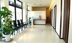 待合ロビー | 立花歯科医院 熊本市東区新外の歯医者 インプラント・矯正・歯周病・口腔外科・小児歯科・治療・歯科検診